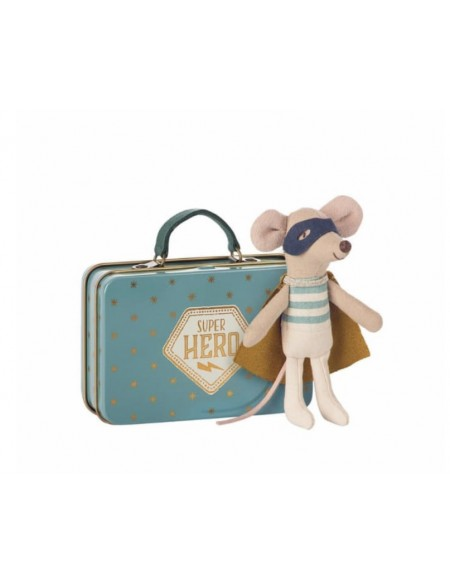 Maileg Superhero Mouse Little Brother dans une valise