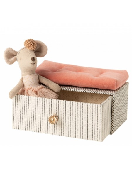 dansing mouse in daybed Maileg